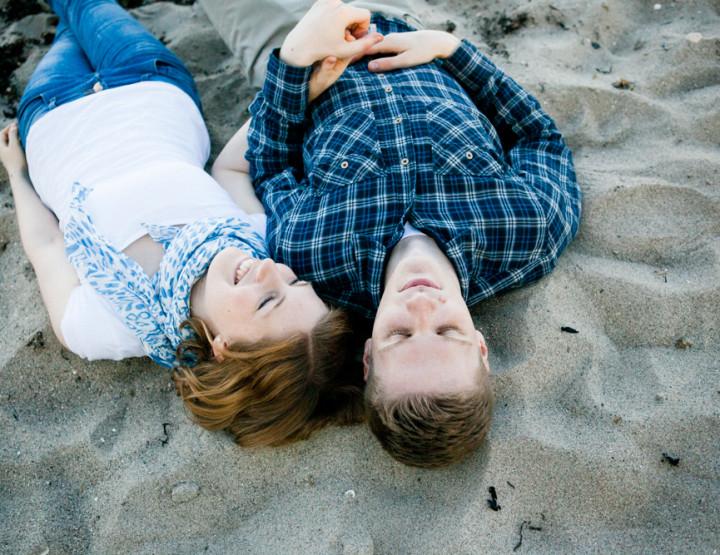 Pärchenfotos am Strand in Kiel - mit Ariane und Jared