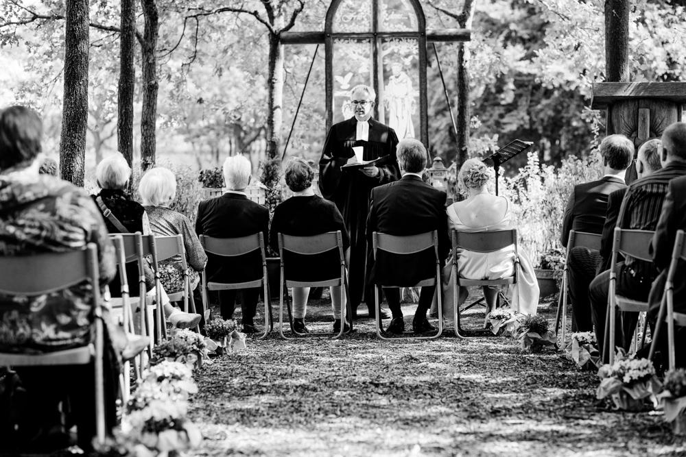 Hochzeitsfotos in der Baumkirche mit Claudia und Arne-11