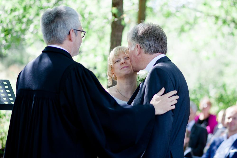 Hochzeitsfotos in der Baumkirche mit Claudia und Arne-12