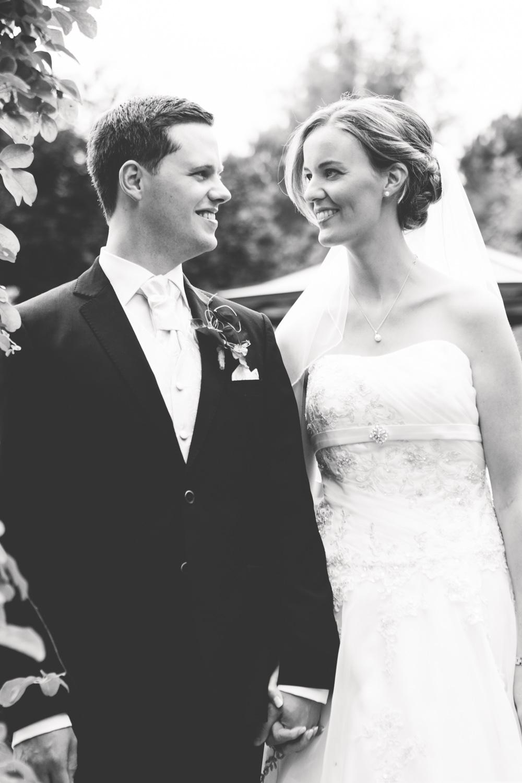 Hochzeitsfotos in Tremsbuettel - mit Florian und Annika-11