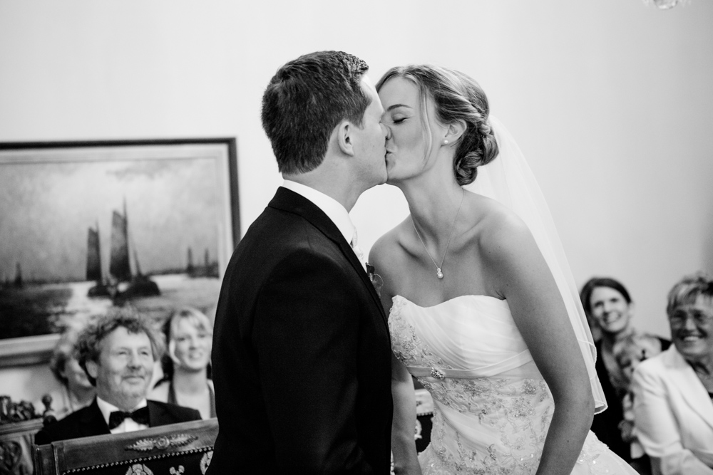 Hochzeitsfotos in Tremsbuettel - mit Florian und Annika-2
