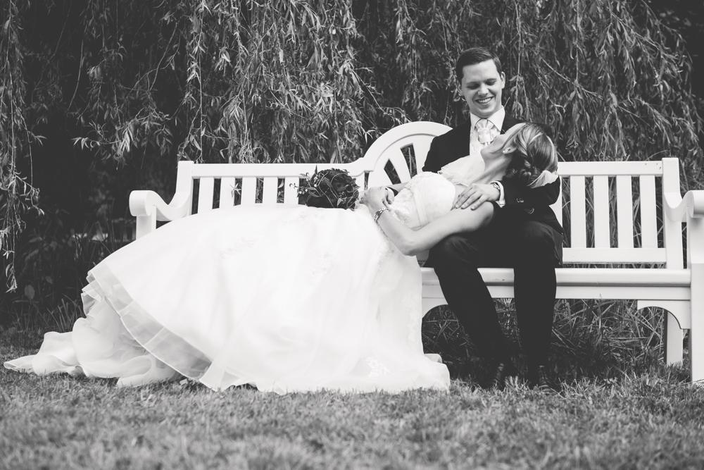 Hochzeitsfotos in Tremsbuettel - mit Florian und Annika-21