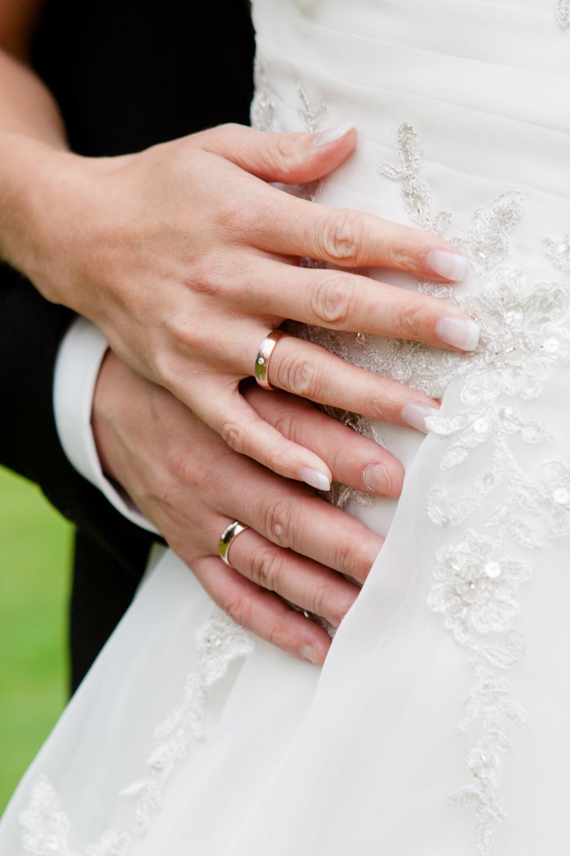 Hochzeitsfotos in Tremsbuettel - mit Florian und Annika-28