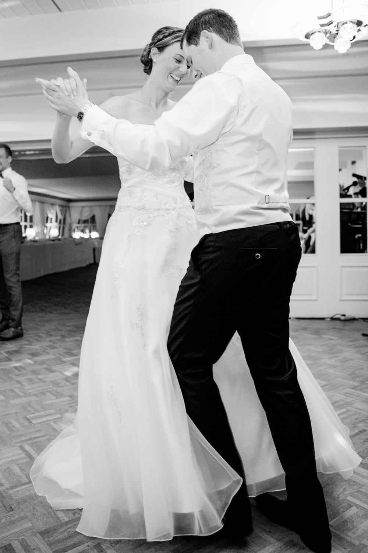 Hochzeitsfotos in Tremsbuettel - mit Florian und Annika-34