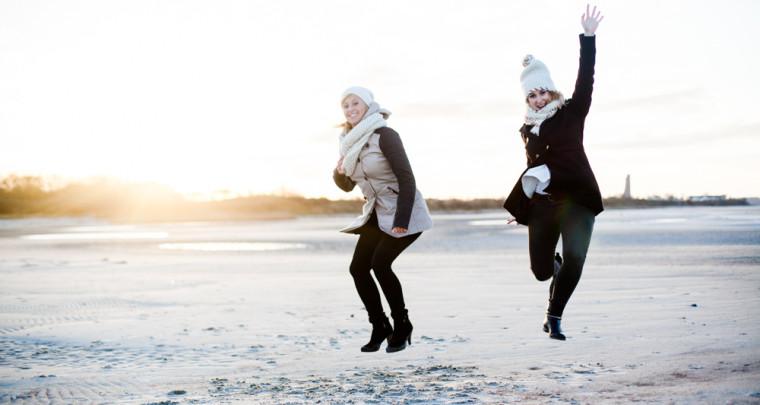 Freundschafts-Shooting im Winter am Strand in Kiel - mit Ines und Taschi