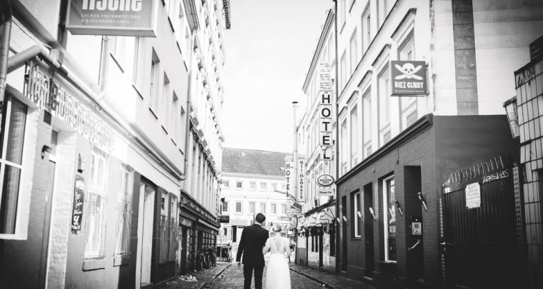 Hochzeitsfotos auf der Reeperbahn - mit K + N